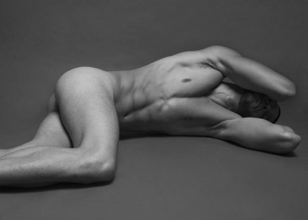MALE NUDE PORTRAITS BY RUBEN TOMAS FEAT. SERGIOACEVEDO