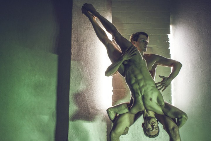 body-music-photo-gay-models-01